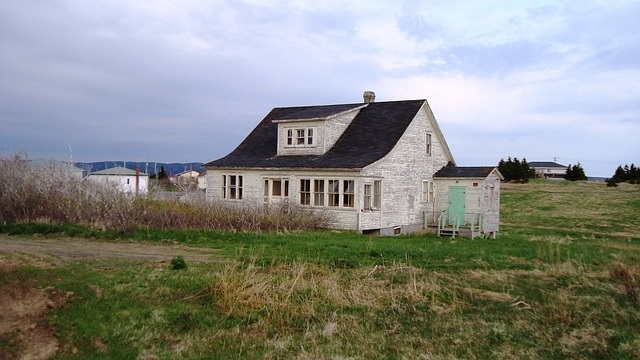 To Sell a House or Abandon It