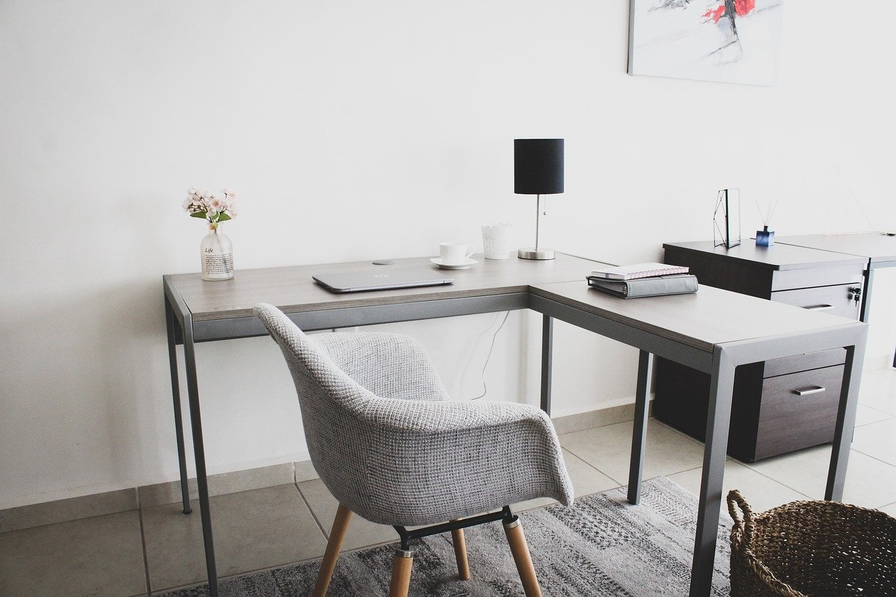 Will a Home Office Sell a House Fast for Cash?